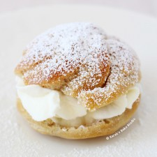 Mini Cream Puffs from Sarah's Bake Studio
