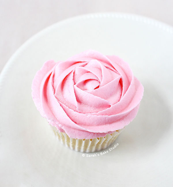 How To Frost A Rose Cupcake: A Video Tutorial