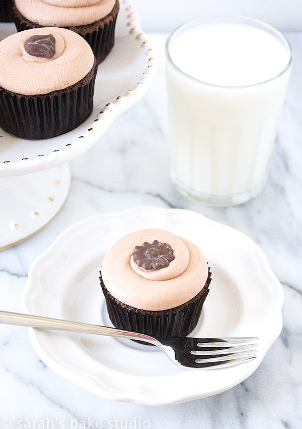 Chocolate Cupcakes with Chocolate Cream Cheese Frosting – a deliciously moist and fluffy chocolate cake crowned with the perfect not too sweet chocolate cream cheese frosting; a Georgetown Cupcakes recipe.