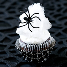 Spider Web Cupcakes from Pizzazzerie