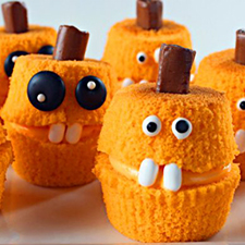 Jack-O'-Lantern Cupcakes from The Bearfoot Baker