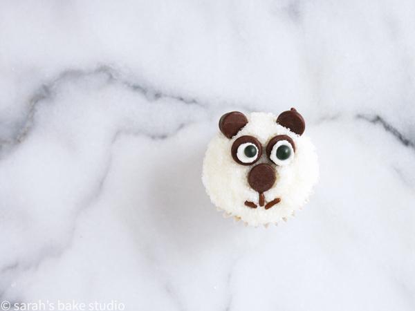 Panda Mini Cupcakes – ridiculously adorable, family-friendly mini cupcakes dressed up as panda bears; fun to make, fun to share, and even more fun to eat!