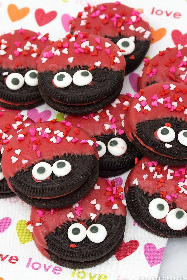 Love Bug Oreo Cookies - delish Hot & Spicy Cinnamon Oreos dressed to impress for Valentine's Day.