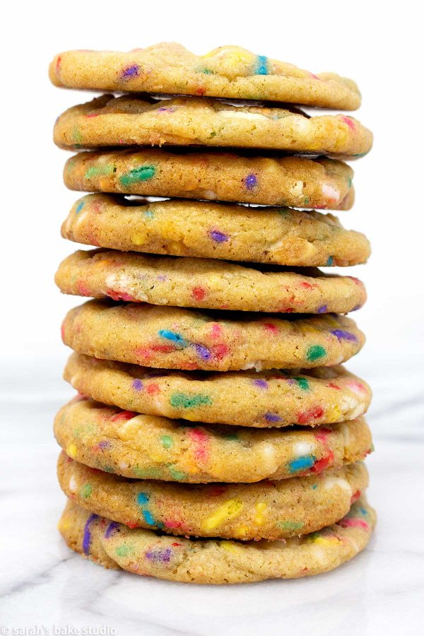 White Chocolate Confetti Cookies - gorgeous, soft and chewy, white chocolate and sprinkles, sugar cookies.