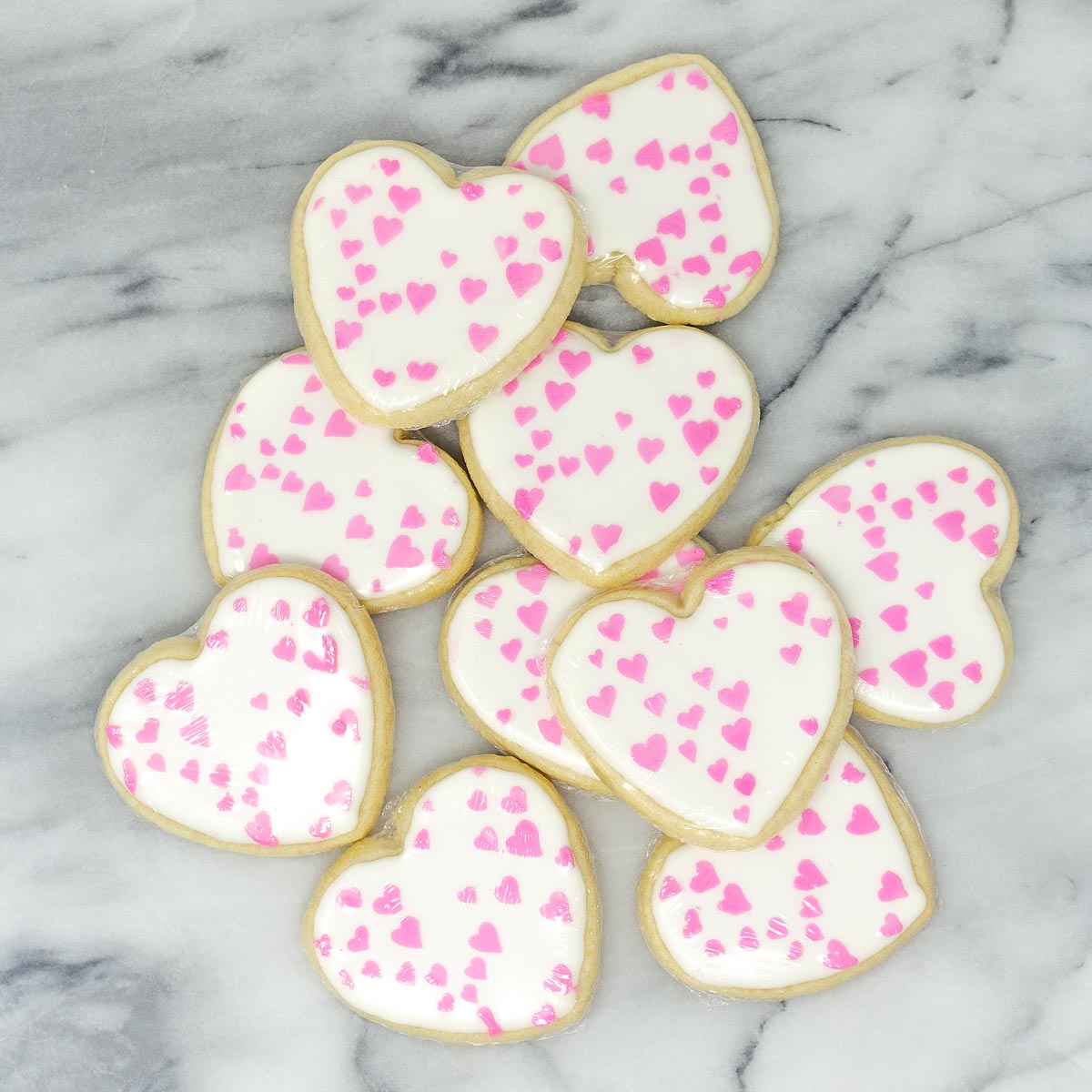 heart decorated sugar cookies for bridal shower favors.